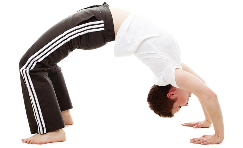 viajes-monoparentales-con-hijos-yoga-en-familia