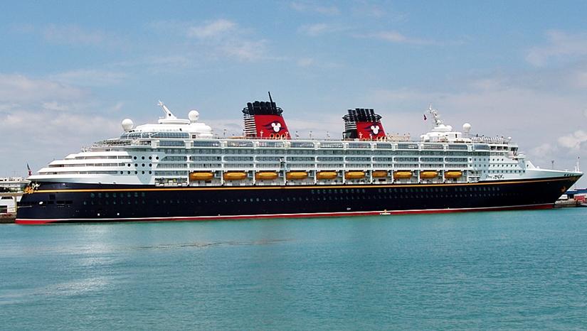 viajes-familias-monoparentales-crucero-disney-magic-mediterraneo-singles-con-hijos
